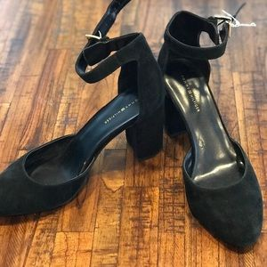 NWT Black Velvet Tommy Hilfiger Ankle Strap Pumps